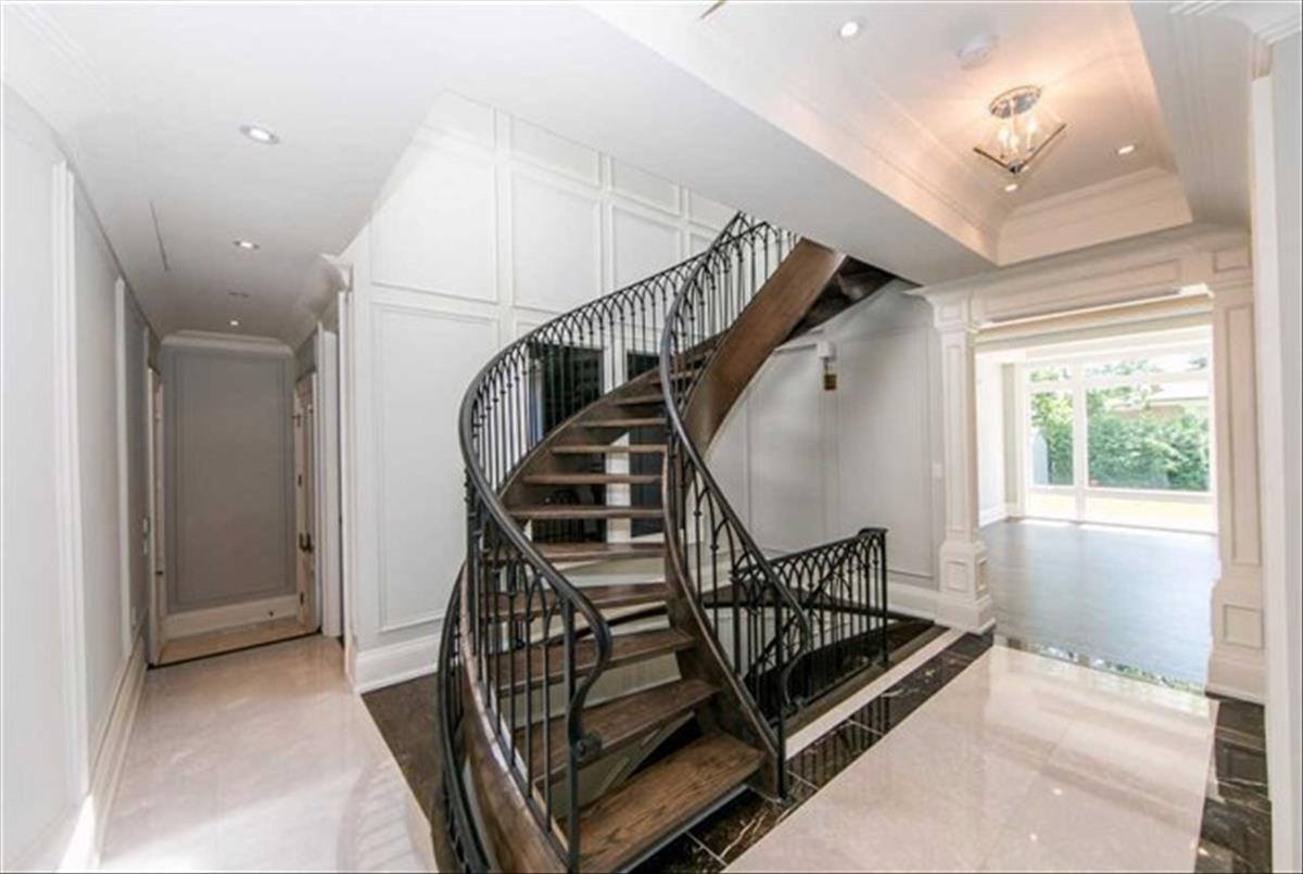 259 Betty Ann Dr Toronto Omid Valinasab
